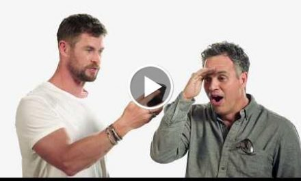 Thor: Ragnarok — Chris Wishes Cate a Happy Hella-ween