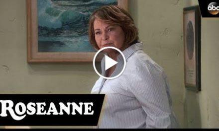 Roseanne Gets The Chair – Roseanne