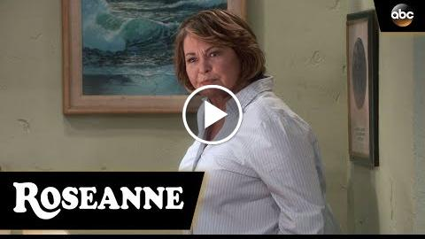 Roseanne Gets The Chair – Roseanne