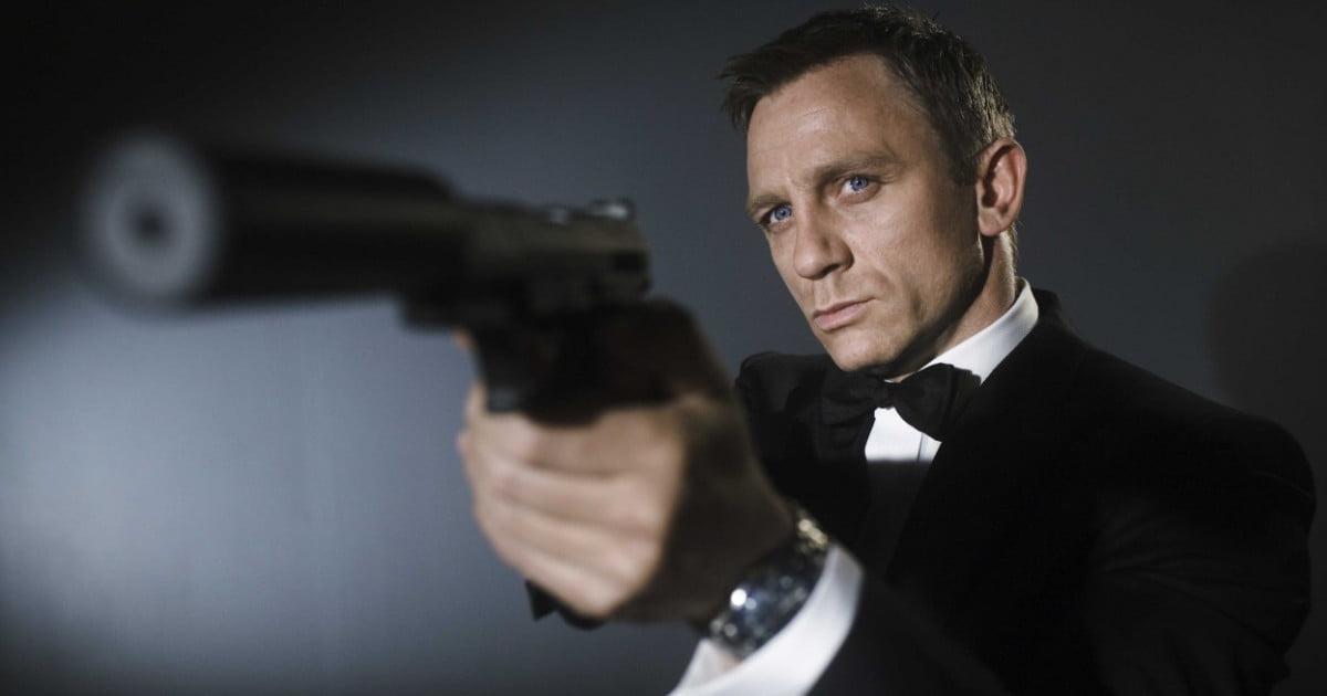 'True Detective' director Cary Joji Fukunaga will helm James Bond 25