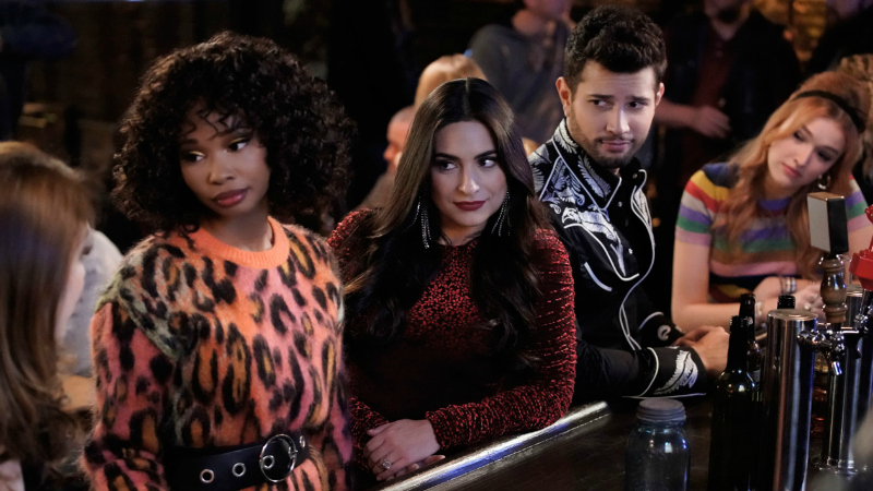 'Dynasty' adjusts down: Friday finalratings