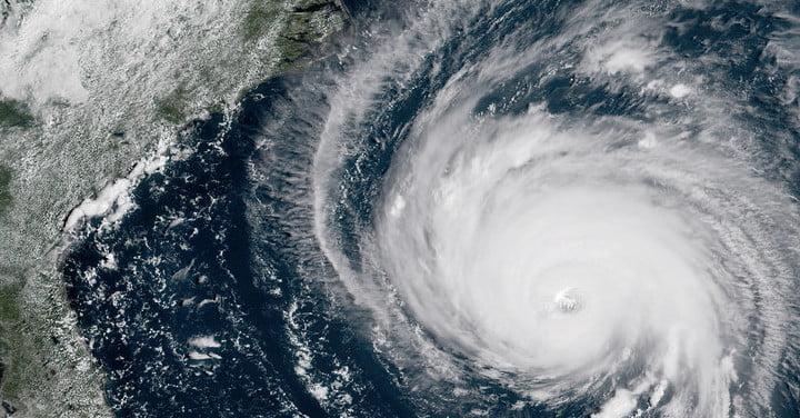 The best hurricane trackers