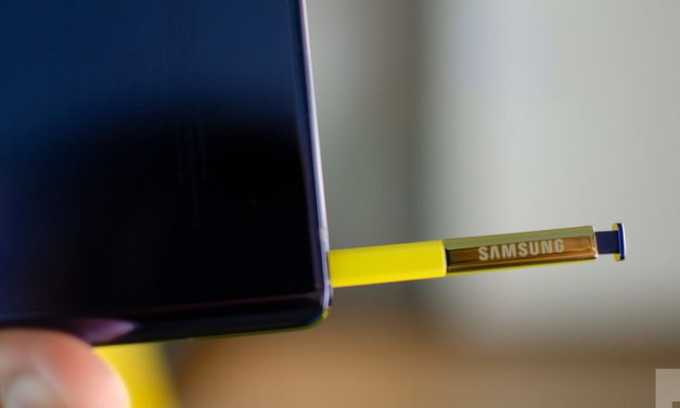 Note 10 dummies give us our best look yet at Samsung's controversial changes