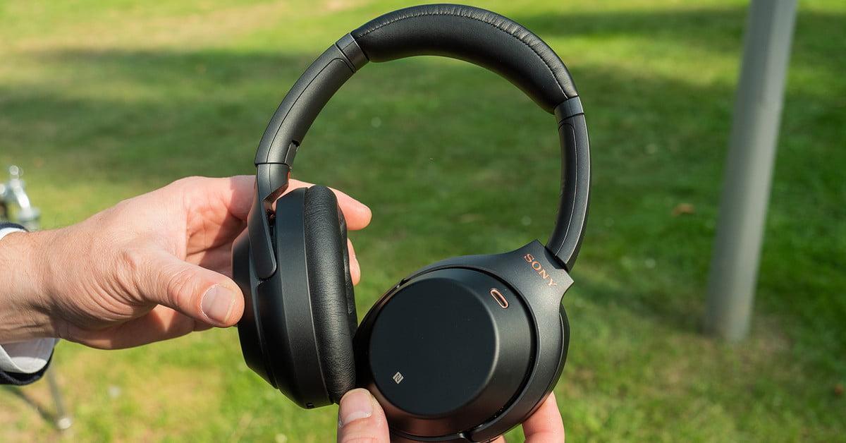 Amazon drops a great deal on Sony's best noise-canceling headphones