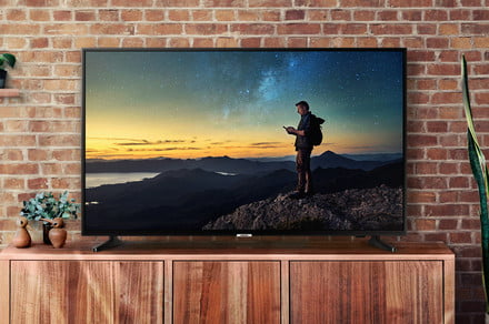 Best Buy deals cut prices on 55-inch TCL and Samsung TVs well below $500