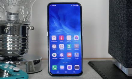 The Vivo V17 Pro's dual-lens, pop-up selfie camera shows you the best poses