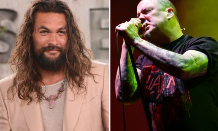 Jason Momoa joins Phil Anselmo on-stage to cover Pantera's 'This Love'