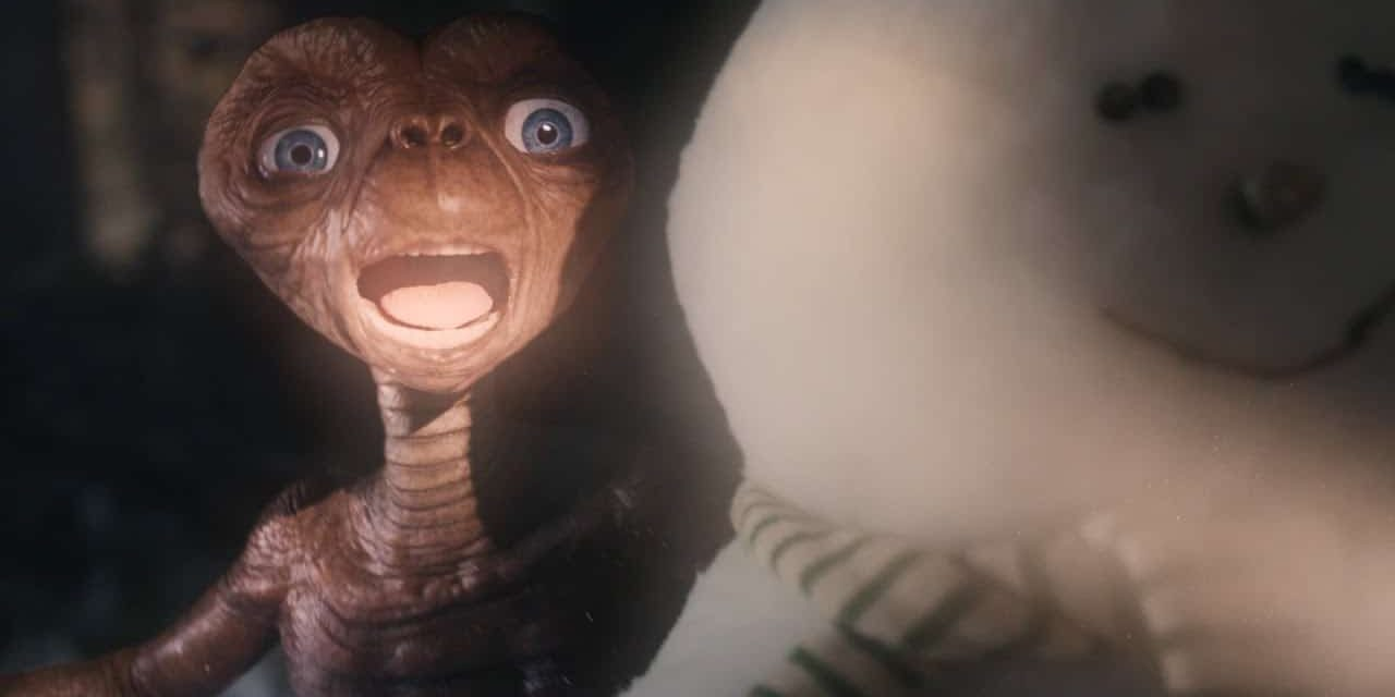 E.T. Comes Back To Visit Grown-Up Elliott In Heartwarming Thanksgiving Ad