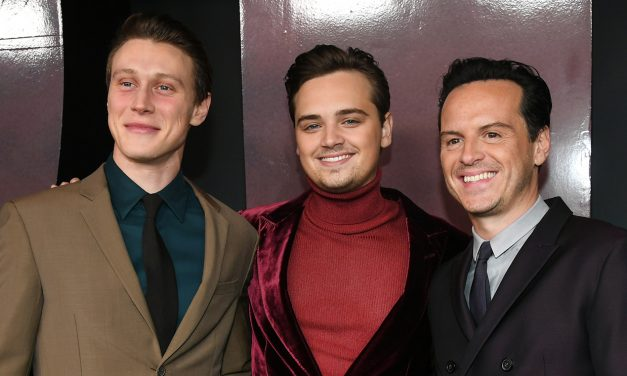 George Mackay, Dean-Charles Chapman, & Andrew Scott Buddy Up for '1917' Premiere!