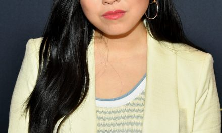 Awkwafina Is First Asian Woman To Win Best Actress In Musical/Comedy Film