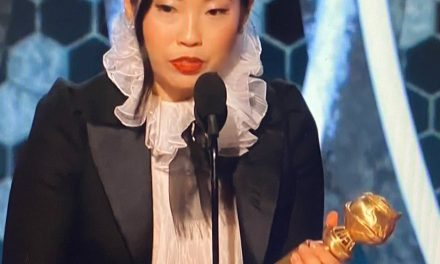 Awkwafina Dedicates Her Golden Globe to Her Dad: 'I Told You I'd Get a Job'