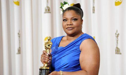A decade after winning an Oscar, Mo'Nique is still doing it her way