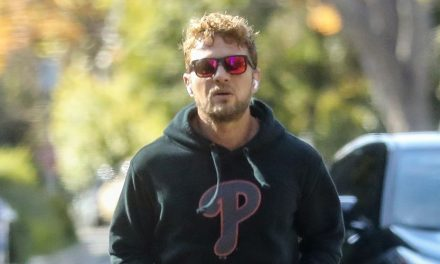 Ryan Phillippe Goes for a Jog Amid Quarantine in Santa Monica
