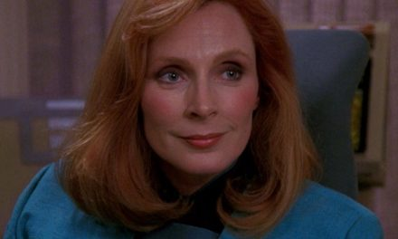 Star Trek: Beverly Crusher Actress Teases A Picard Appearance