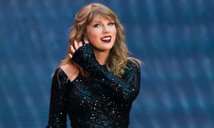 Taylor Swift gives live debut of 'Betty' at Academy of Country Music Awards