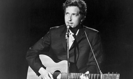 Bob Dylan wrote 'Lay Lady Lay' for Barbra Streisand, he revealed in a just-released 1971 interview