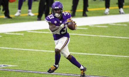 Opening Line in Vikings vs Saints Favors New Orleans by 7 Points on Christmas Day