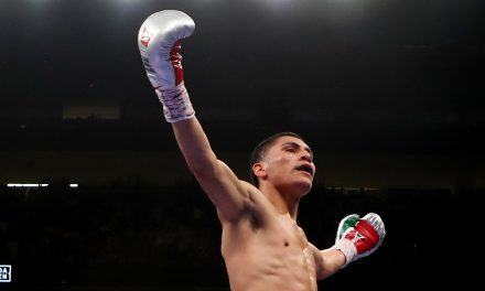 Vergil Ortiz Jr. keeps knockout streak alive, stops Maurice Hooker in seventh round