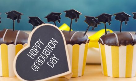 Here are Our Best Tips for Graduation Party Decorations, Food and More