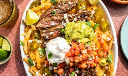 Loaded Carne Asada Fries Give You the Best of Both Worlds